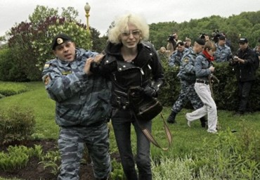 2009_05_16_moscow_gay_pride4