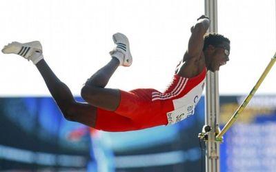 2009_08_20_suarez_high_jump