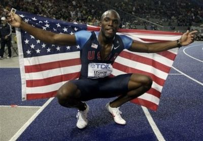 2009_08_21_lashawn_merritt_berlin400 flag 3