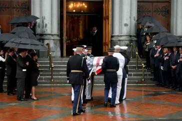 2009_08_29_funeral_casket