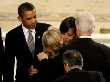2009_08_29_funeral_obama_clinton