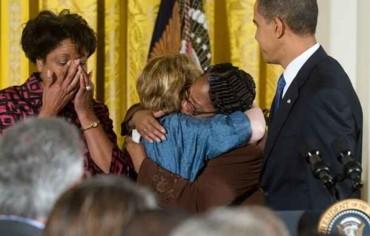 2009_10_29_obama_hatecrimes3