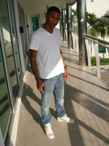 2009_12_07_pharrell_louboutin2