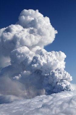 2010_04_16_volcano2