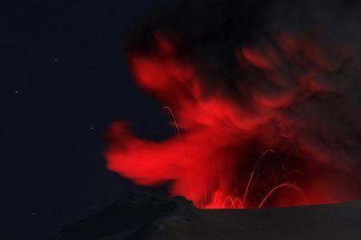 2010_04_25_Iceland_Volcano-1