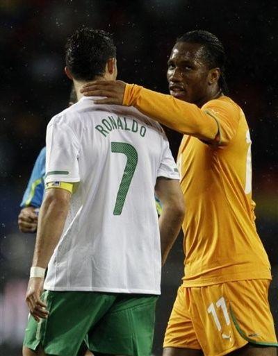 2010_06_15_Drogba_Ronaldo-3