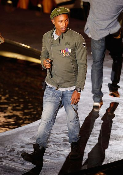 2010_09_09_PharrellWilliamsChanel-3