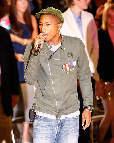 2010_09_09_PharrellWilliamsChanel-1