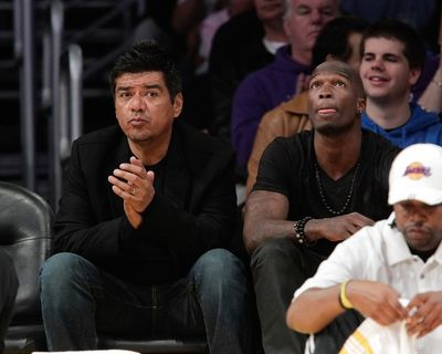 2010_04_12_ochocinco_lakers-7