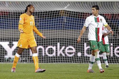 2010_06_15_Drogba_Ronaldo-7