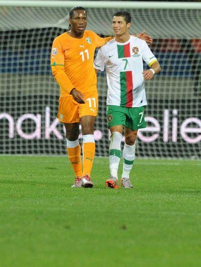 2010_06_15_Drogba_Ronaldo-5
