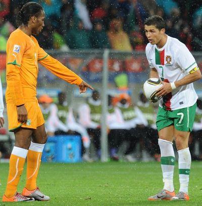 2010_06_15_Drogba_Ronaldo-9