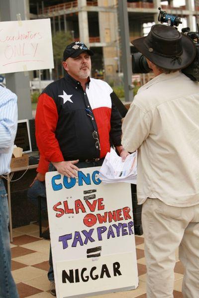 2010_07_15_tea party racist