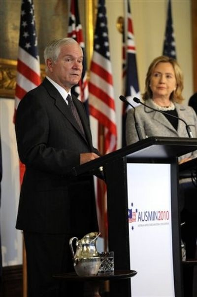 2010_11_10_Gates_Clinton