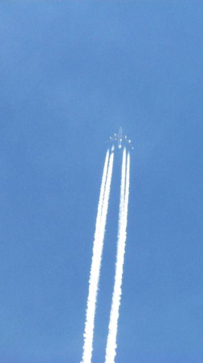 2011_10_19_747_Exhaust2