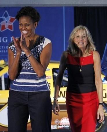 2011_11_20_Michelle_Obama_Jill_Biden