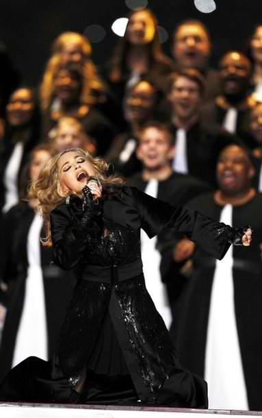 2012_02_06_Madonna_Super_Bowl