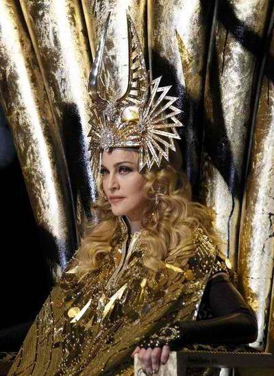 2012_02_06_Madonna_Super_Bowl-3