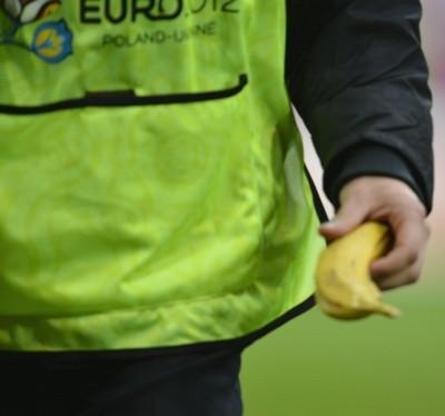 2012_06_16_Mario Balotelli Banana