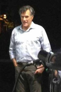 2012_12_03_ROMNEY_PUMPING_GAS