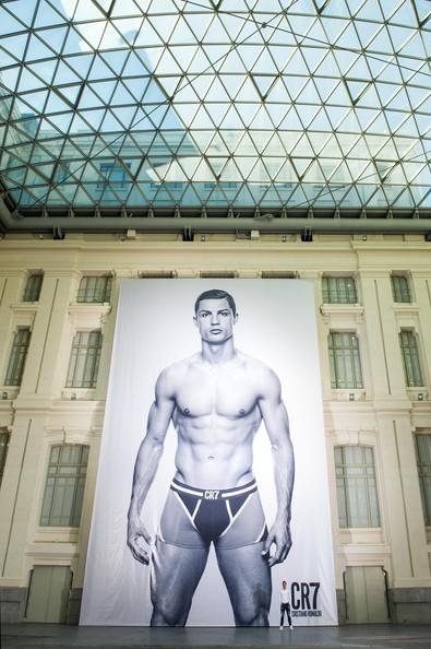 2013_11_02_Cristiano Ronaldo Underwear-005